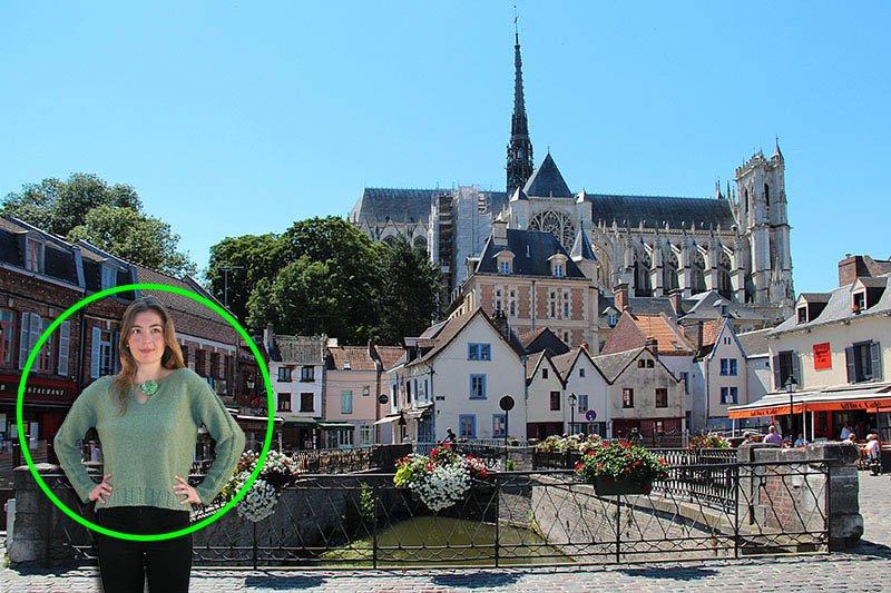 pull avoine à Amiens devant cathédrale Notre Dame